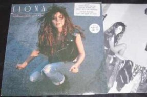Fiona - Heart Like A Gun Vinyl LP W/Lyrics