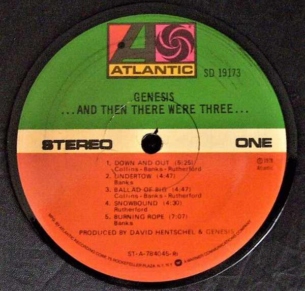 GENESIS - And Then There Were Three - Sous-Boque